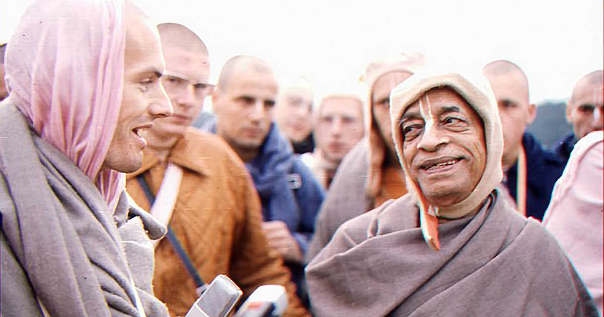 Srila Prabhupada and Hansadutta on Morning Walk 2