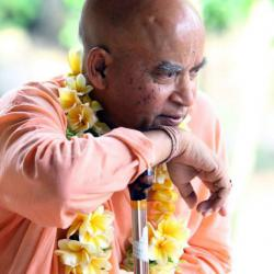 Close up photos of Subhag Swami Maharaj