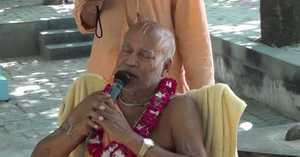 Subhag Swami - Harinam at Radhakund, Vrindavan