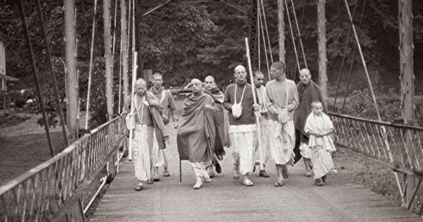 Prabhupada ISKCON New Vrindaban Walk 1974