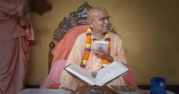 Subhag Swami - Don't hesitate to Surrender unto Krsna, S.B. 9.19.26. English - Russian Mayapur 2017