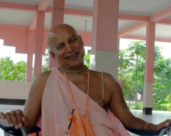 Close up photos of Subhag Swami Maharaj